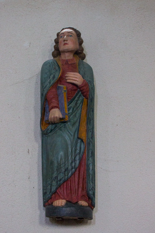 16C? statue at Plourin les Morlaix