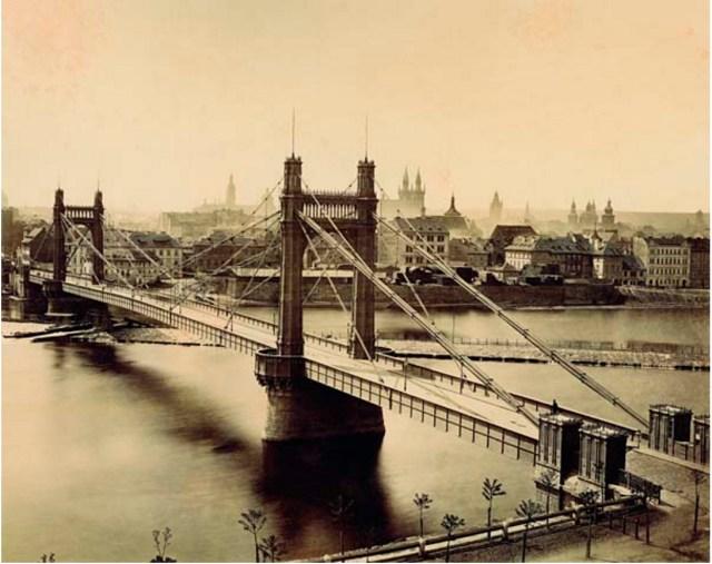 Franz Joseph I Bridge in Prague, 1885 (https://commons.wikimedia.org/wiki/File:Bridge_of_Franz_Joseph_I.,_Prague.jpg)