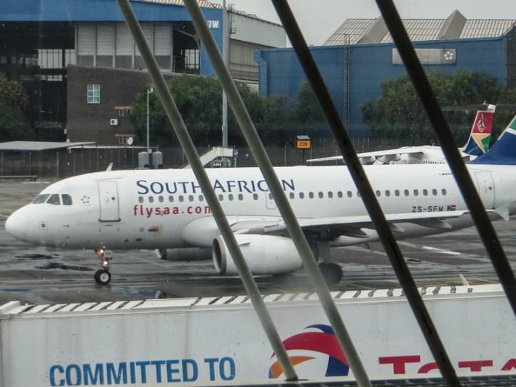16-1-23 Heathrow, LR-8550