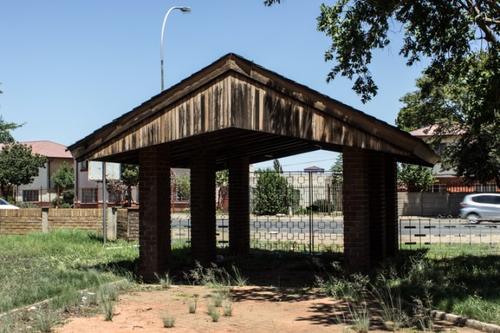 The unweeded entrance to President Brand Cemetery, Bloemfontein