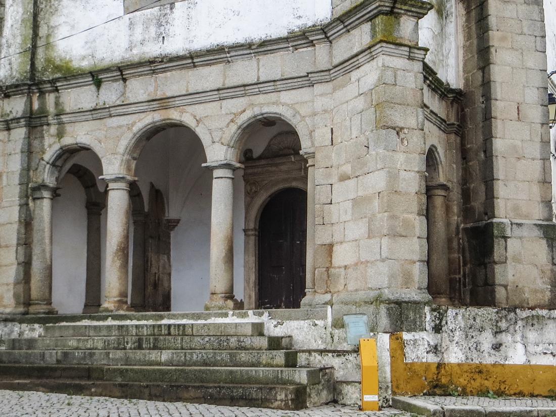 The 16C Convent & Church of Nossa Senhora da Luz
