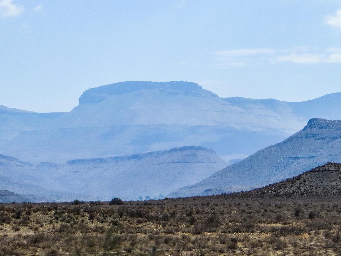 The Karoo between Matjiesfontein & Beaufort West