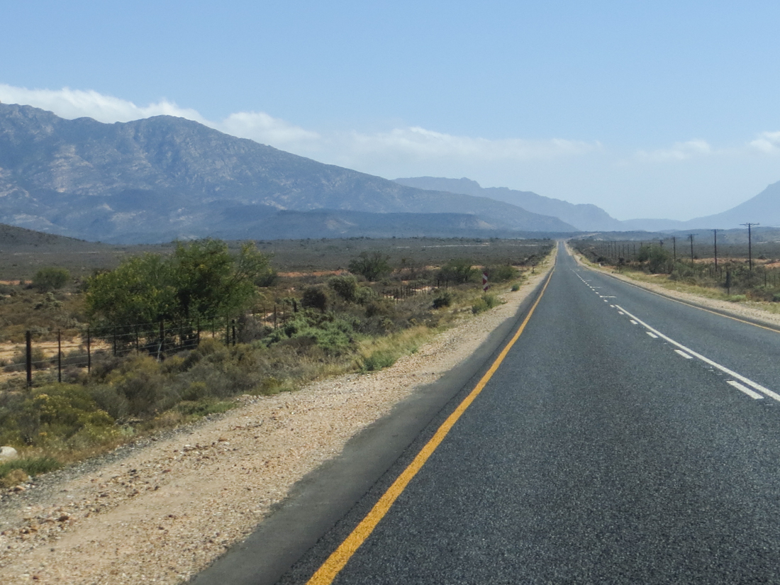 The R62 between Ladismith and Barrydale