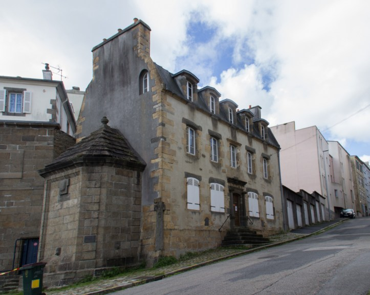 Maison de la Fontaine in Recouvrance, dating to the 17C
