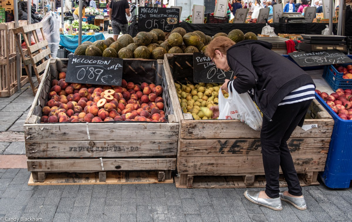 Market day in Leon