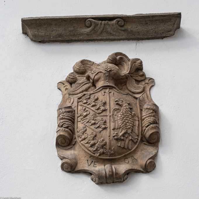 Unknown coat of arms in the Calle de Agua