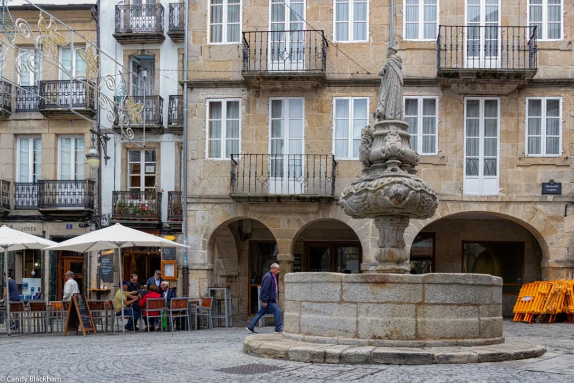 Fountain in the Praza do Campo
