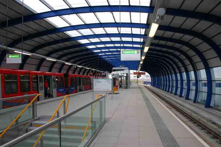 London-city-airport DLR londra