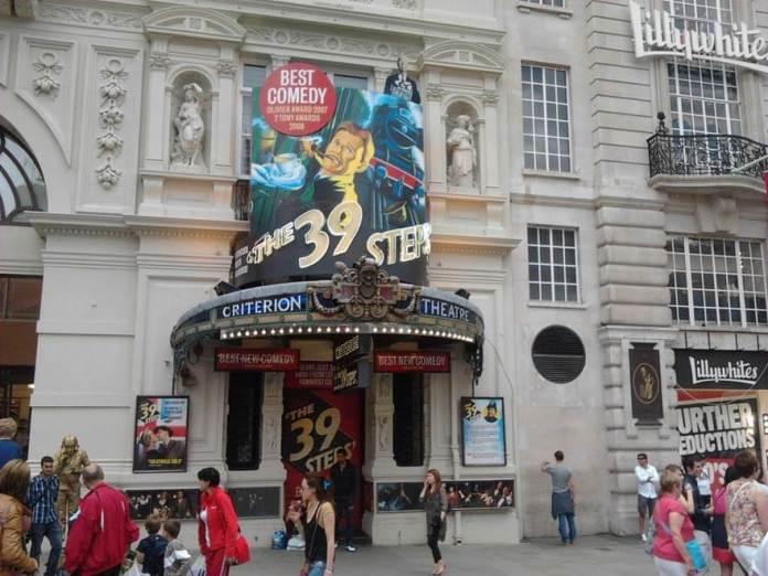 piccadilly circus tiyatro