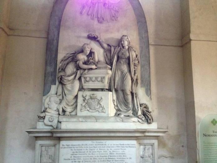 rochester katedral heykel