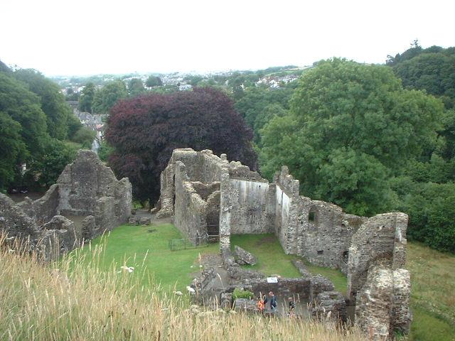 Scopri il castello di Okehampton in Devon