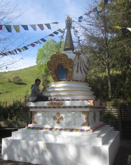 yo pintando la stupa