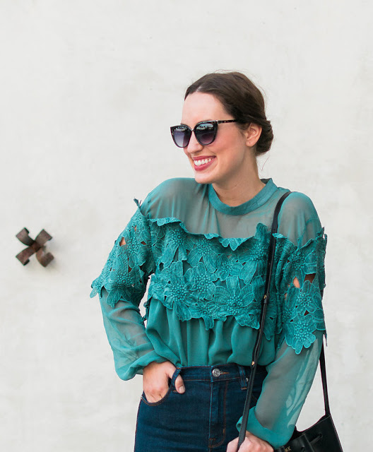 cat eye sunglasses, pixie market green blouse, pixie market floral blouse, green floral blouse, green lace blouse, high neck green blouse, lone star looking glass, 70s blogger style,