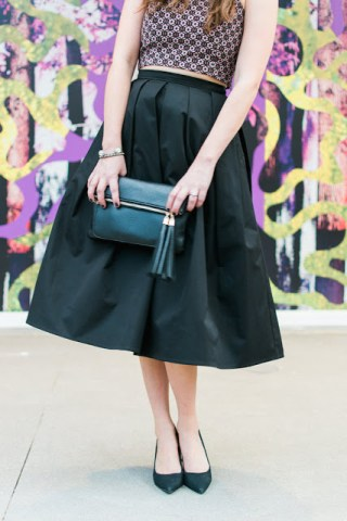 black_midi_skirt_restricted_heels