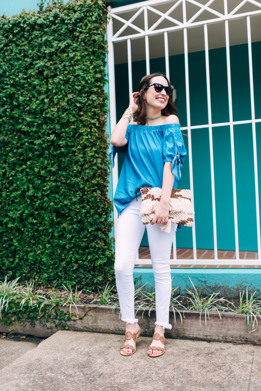 Blue_OTS_top_White_Jeans7
