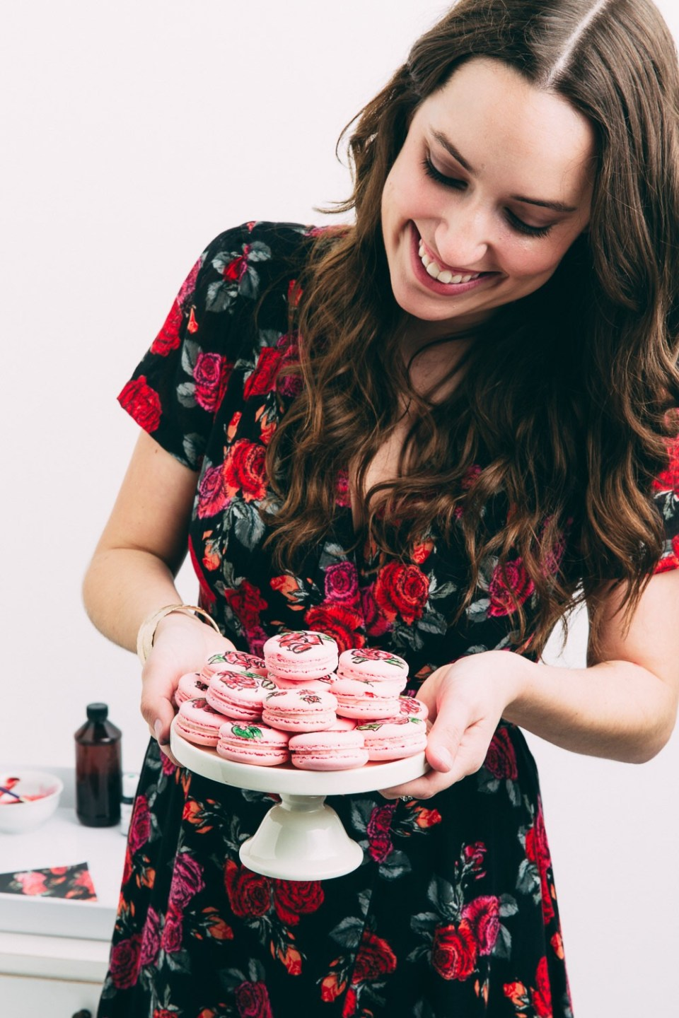 how to make macarons, rose macarons, diy painted macarons, how to food paint macarons