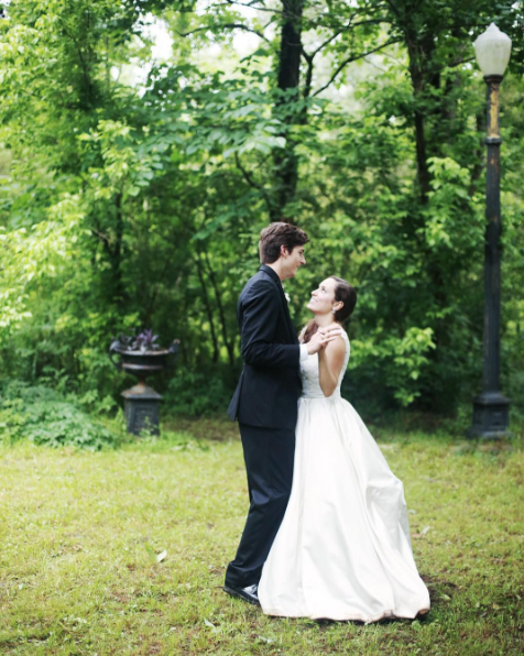 outdoor wedding at an antebellum home in holly springs mississippi, mississippi weddings,