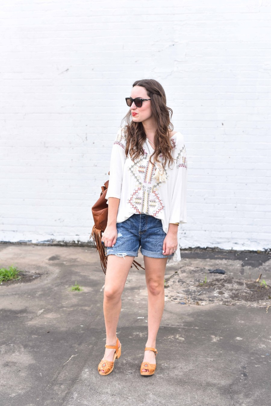 true religion fringe backpack, embroidered boho top, levis distressed shorts, lone star looking glass, houston fashion blogger, weekend outfit inspiration