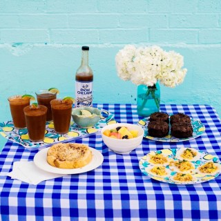 michelada recipe, texas inspired brunch, southern brunch ideas, draper james serving dishes, draper james lemon dishes, sugar and cloth color wall, texas food blogger