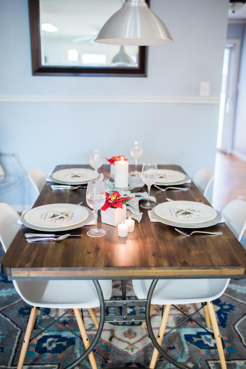 mid_century_dining_room_holiday_decor-2