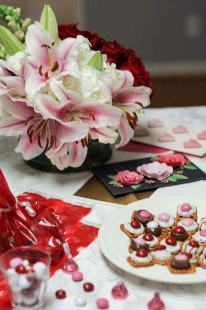 Valentines_Day_Homemade_Chocolate_Pretzel_Treats-3