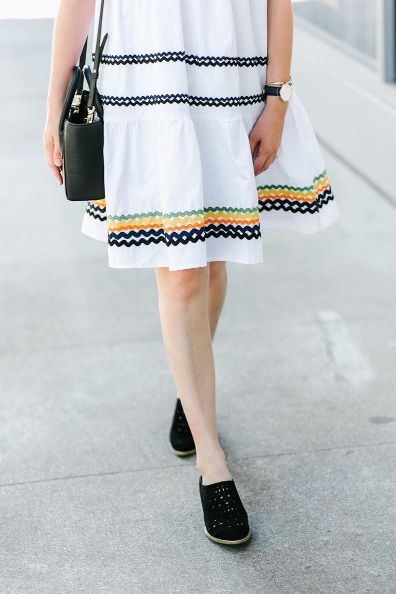 Houston fashion blogger styles Seychelles Im a Star black mules
