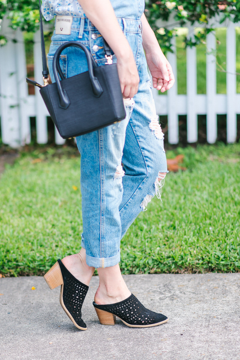 Seychelles I'm a Star Heels paired with distressed overalls.