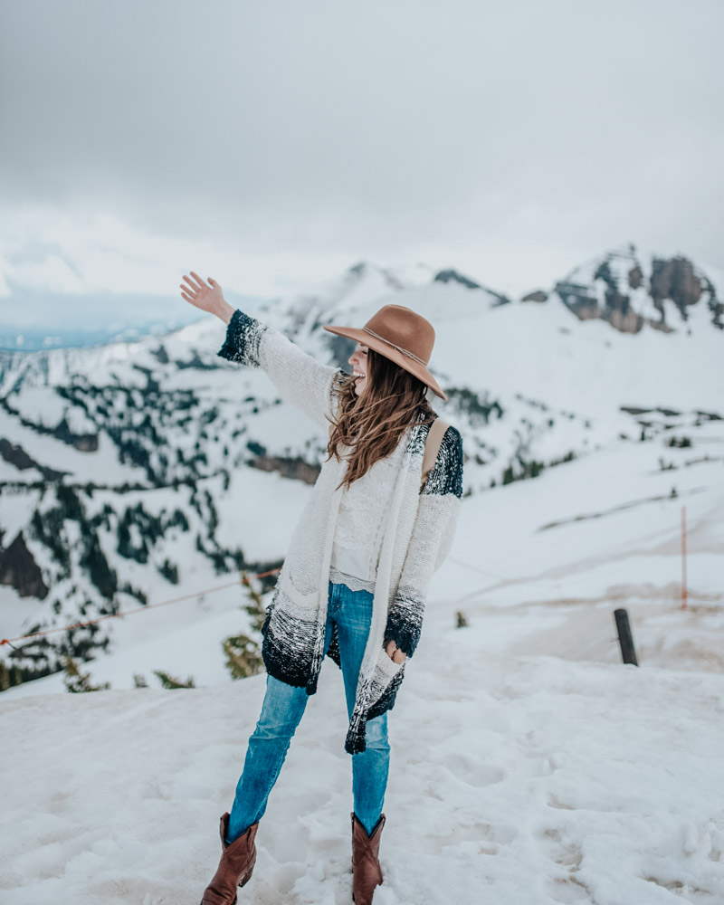 Jackson Hole Wyoming Travel Guide - Cute Mountain Outfits