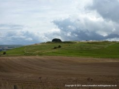Approaching the old hill fort of Barbury Castle