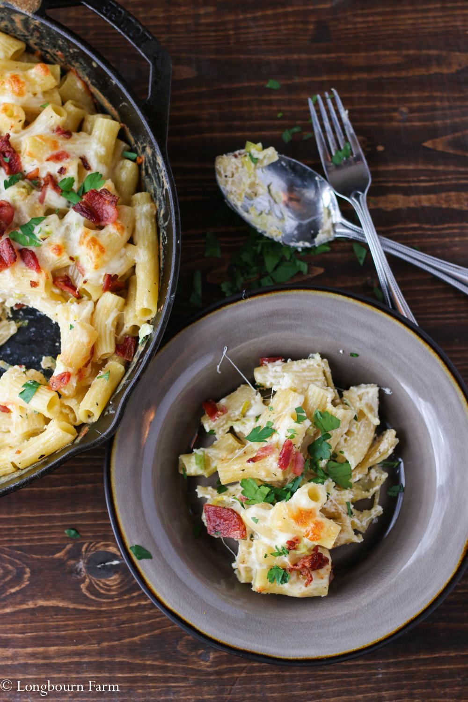 Cheesy Alfredo Pasta Bake Recipe!