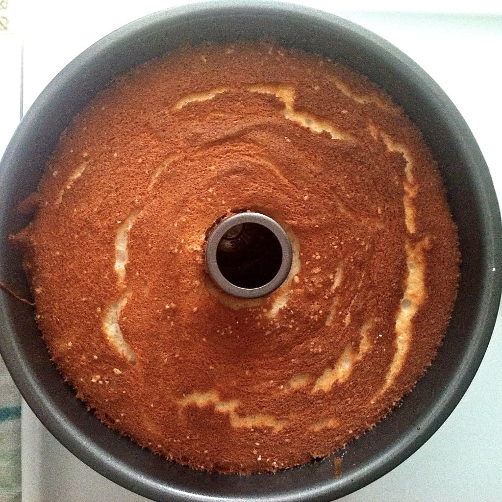 Angel Food Cake | longdistancebaking.com