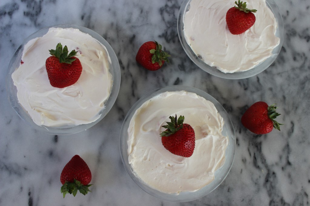 Mini No-Bake Strawberry Cream Pies