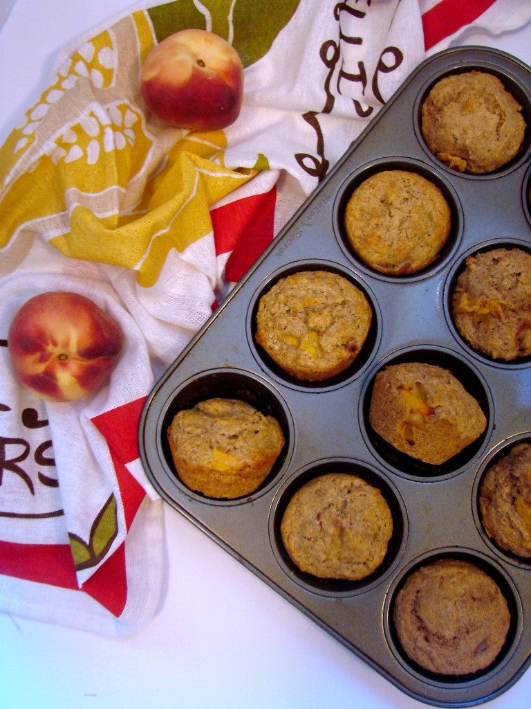 Peach Muffins | longdistancebaking.com