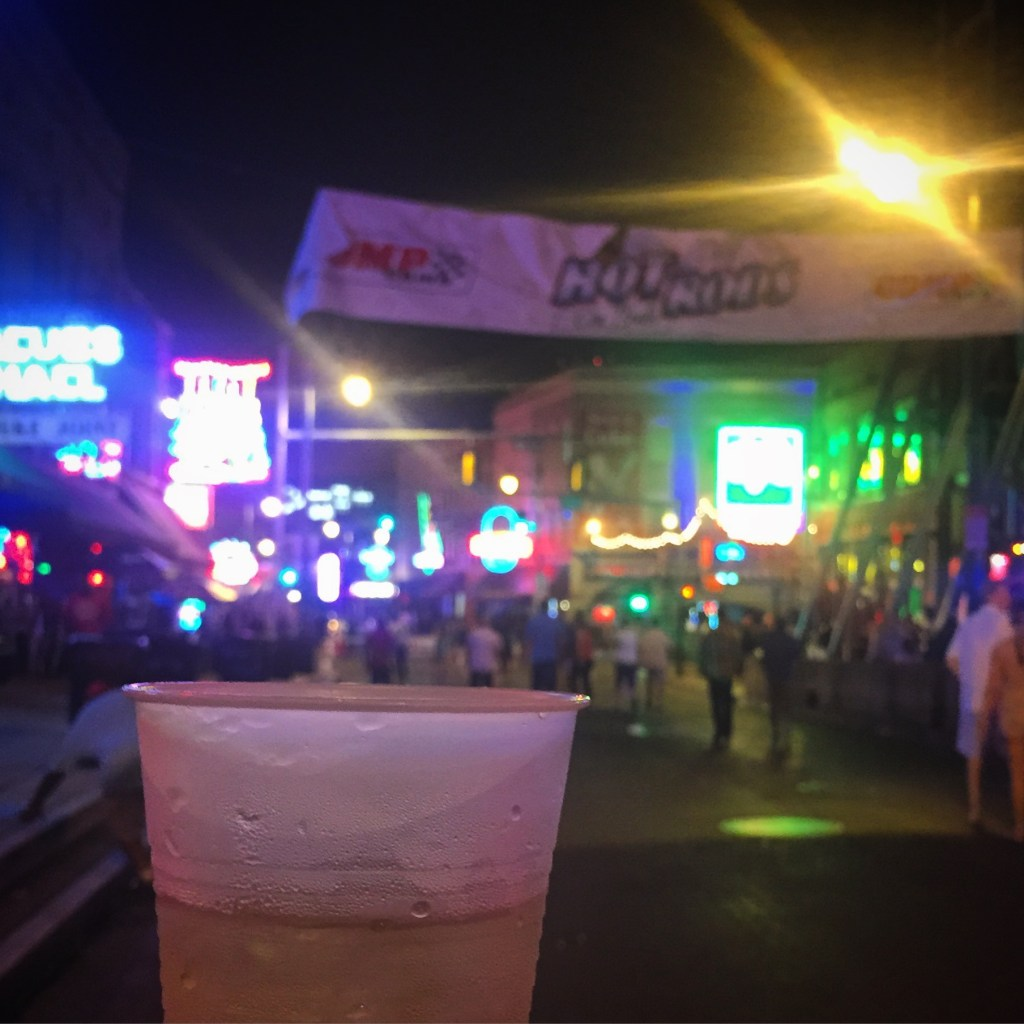 What to do in Memphis - Beale Street | longdistancebaking.com