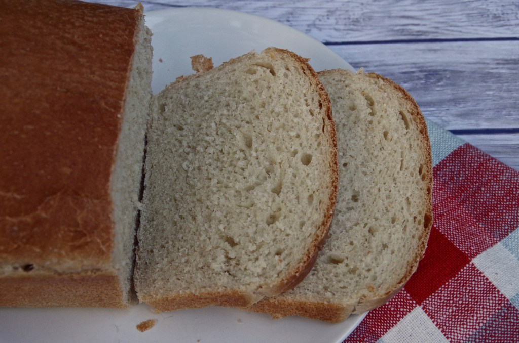 White Sandwich Bread | longdistancebaking.com