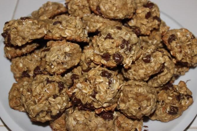 Oatmeal Chocolate Chip Cookies   longdistancebaking.com