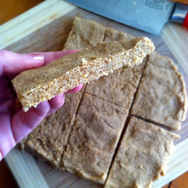 Tarahumara Inspired Peanut Butter Banana Energy Bars | longdistancebaking.com