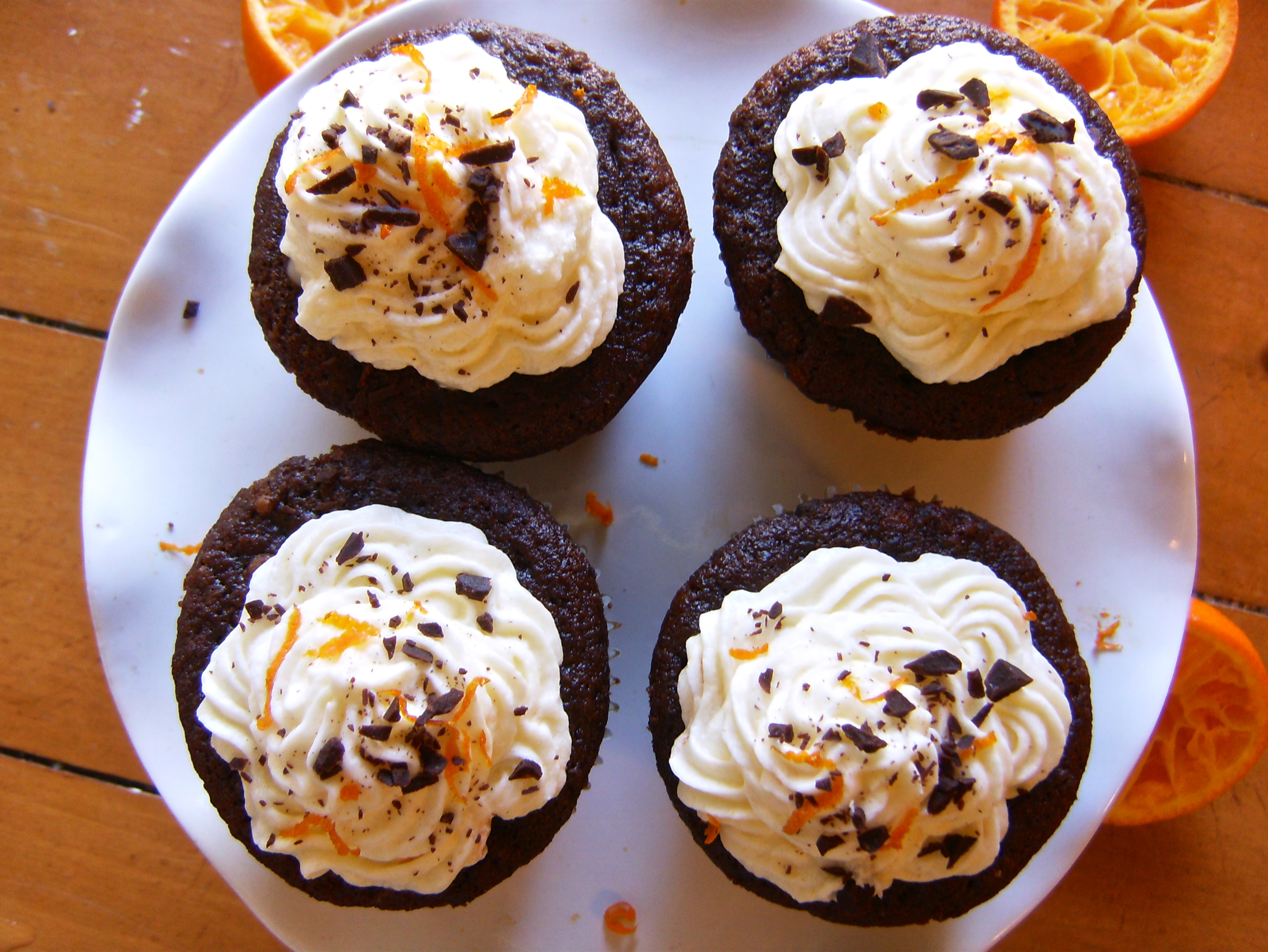 Dark Chocolate Orange Cupcakes | longdistancebaking.com