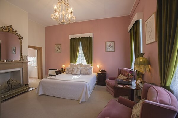 Stylish heritage B&B accommodation in Longford, Tasmania. King spa suite.
