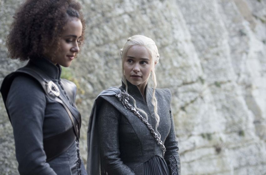 Daenerys and Missandei talking in Game of Thrones Season 7 Episode 4