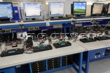 Hệ thống bàn sản xuất lắp ráp hàng điện tử và viễn thông 1