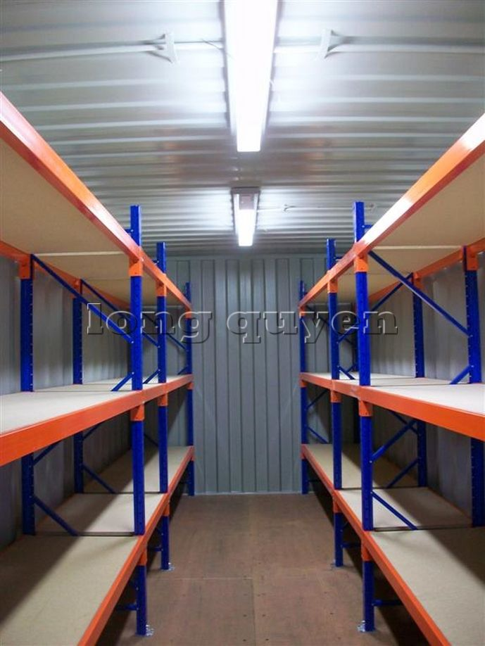 gia ke de trong container (1)
