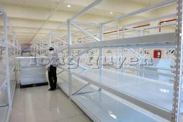 Giá-kệ-trung-tải-kệ-chứa-hàng-sàn-tôn-hạng-trung-cty-OSCO-International-2020