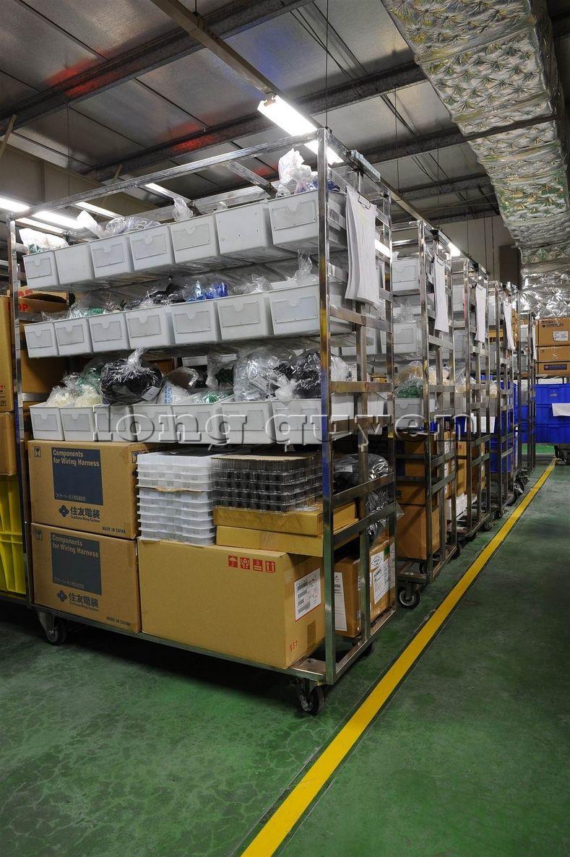 Xe đẩy vật tư đa năng xe đẩy inox trong kho hàng công ty SD Việt Nam (4)