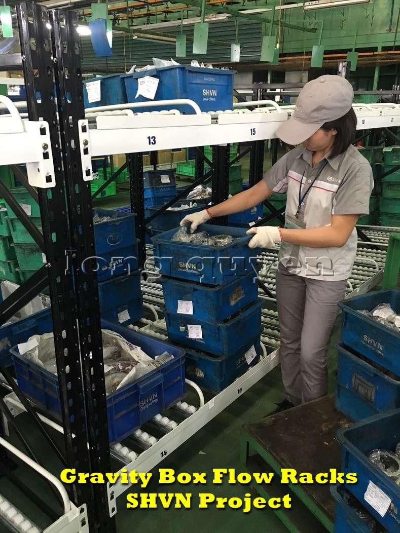 Giá kệ lưu trữ dòng chảy trong lắp ráp công nghiệp tại công ty SHVN (6)
