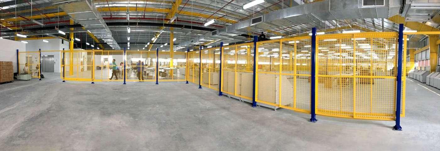 Vách ngăn lưới tháo lắp di động trong nhà máy kho hàng (12)