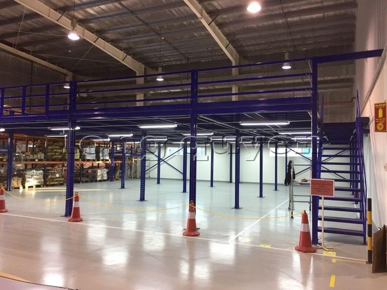 Lắp đặt sàn kho hàng tầng lửng mezzanine tại công ty Leprocon (2)