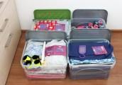 pudło nr 1 - bawełna patchworkowa, pudło nr 2 - bawełna patchworkowa + resztki, pudło nr 3 - tkaniny ubraniowe, podszewki i klejonki, pudło nr 4 - nici do overa