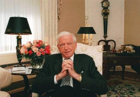 Author Sidney Shelton on December 7, 1997. (Photo/Joe Tabacca/AP)