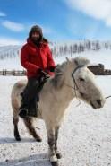 manu a cheval